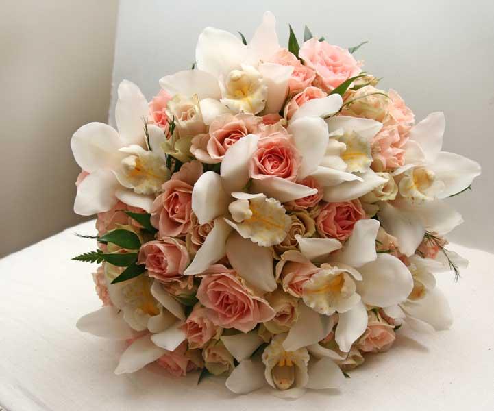 Līgavas pušķis no orhidejām ar piegādi Rīgā