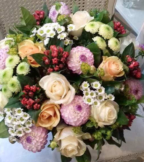 ziedi-dalijas-ar-piegadi
