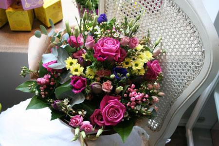 Ziedu pušķis dāvana 8. martā