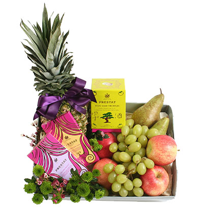 Gift Set: Fruits And Chocolate