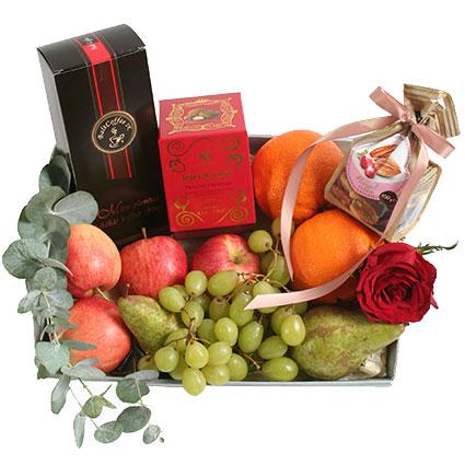 Подарочный набор: Кофе, фрукты и сладости