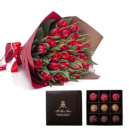 """Ziedu pušķis no 19 vai 29 sarkanām tulpēm dekoratīvā iesaiņojumā un """"AL MARI ANNI"""" šokolādes trifeles 135 g"""