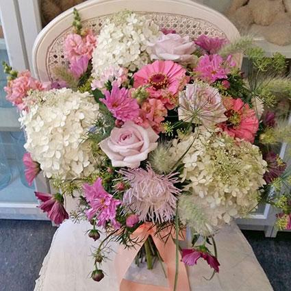 Ziedi: Vasara gavilē