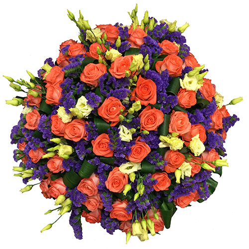 Ziedi. Grezns, apjomīgs ziedu pušķis no laškrāsas rozēm, baltām lizantēm, zilām limonijām un dekoratīvām aspidistra