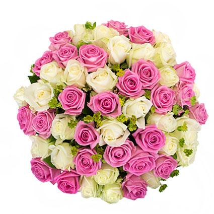 Ziedi Latvijā. Rožu pušķis no 25 rozā un 26 baltām rozēm ar dekoratīviem sezonāliem zaļumiem.    Ziedu klāsts ir ļoti