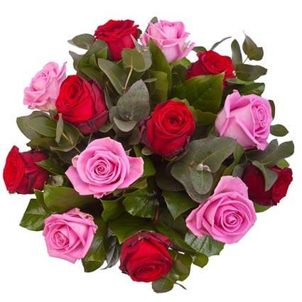 Rožu pušķis: 7 sarkanas rozes, 6 rozā rozes, dekoratīvi zaļumi, rožu garums 50 - 60 cm