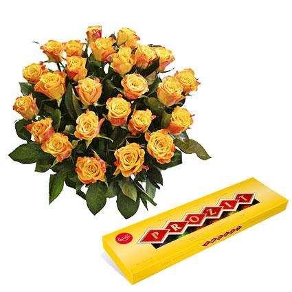 """25 oranži dzeltenas rozes un """"AL MARI ANNI"""" dražeju asorti šokolādē (ķirbis, ingvers, upenes, ērkšķogas, āboli kanēlī, dzērvene"""