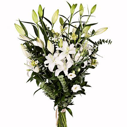 Ziedu piegāde Latvijā. Skaists pušķis no batām lilijām, baltām lizantēm, dekoratīviem smalkziediem un zaļumiem.  Ziedu