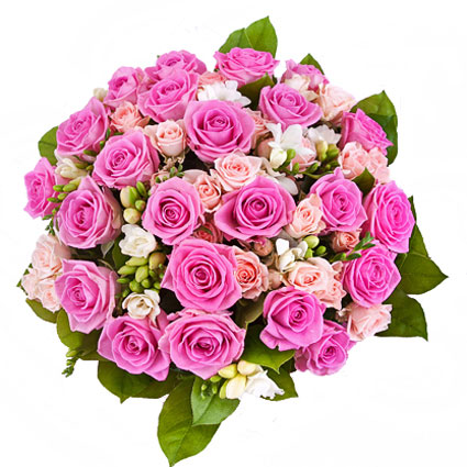 Ziedu piegāde Rīgā. Romantisks un grezns rožu pušķis. Rozā rozes, baltas frēzijas un rozā krūmrozes sievišķīgā ziedu