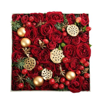 Ziedi dāvanu kārbā: Svētku prieks