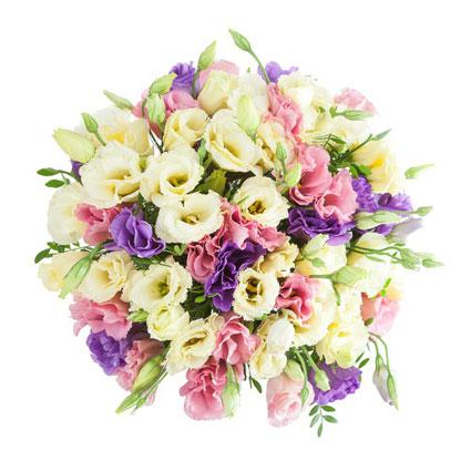 Ziedi ar kurjeru. Burvīgs ziedu pušķis no 25 baltām, rozā un zilām lizantēm.  Ziedu klāsts ir ļoti plašs. Var gadīties, ka