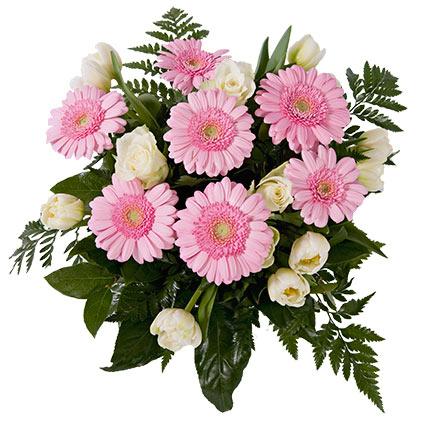 Ziedu piegāde Latvijā. Ziedu pušķis no baltām rozēm, baltām tulpēm un maigi rozā gerberām.  Ziedu klāsts ir ļoti plašs.