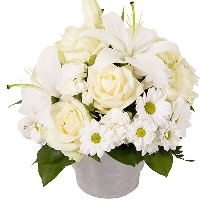 Ziedu kompozīcija: Baltā simfonija. Piegāde Rīgā