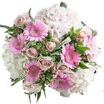 Ziedu pušķis ar hortenzijām